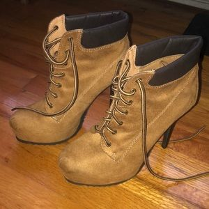🆕 stiletto work boots (new without tags)